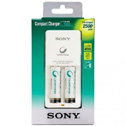 Chargeur SONY compact + 2 piles LR6 NiMH de 2500mAh (Recharge 2 piles LR6 ou LR03)