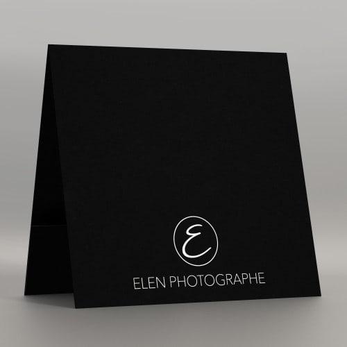 Pochette à rabat 300g papier noir impression extérieure et intérieure blanche