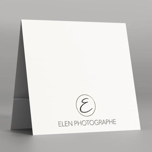 Pochette à rabat papier blanc satiné 350g - Impression extérieure et intérieure avec Vernis 3D