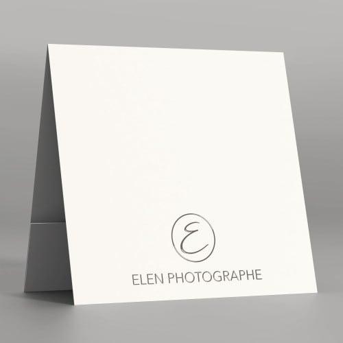 Pochette à rabat papier blanc satiné 350g - Impression extérieure Dorure Argent