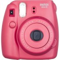 FUJI - Appareil photo instantané Instax Mini 8 - Format photo 62x46mm Livré avec 2 piles LR6 et dragonne Dim. (L)116x(H)118.3x(P)68.2mm - Fuschia  (rapsberry)