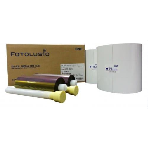 Consommable thermique DNP pour DSRX1 - HS - 15x20cm (HS) - 700 tirages - perforé 5x20cm (spécial événementiel)
