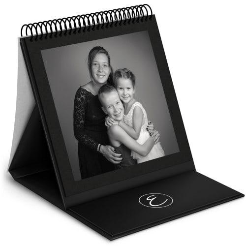 Album chevalet - 48 pages noires (24 feuillets) 24x24cm