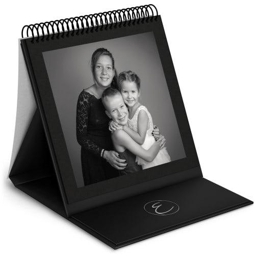 Album chevalet - 48 pages noires (24 feuillets) 24x24cm - Vernis 3D