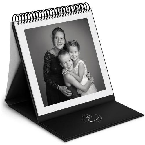 Album chevalet - 48 pages blanches (24 feuillets) 24x24cm - Vernis 3D