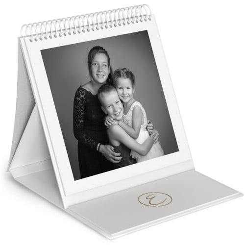 Album chevalet - 48 pages blanches (24 feuillets) 24x24cm - Impression couverture avec dorure Or