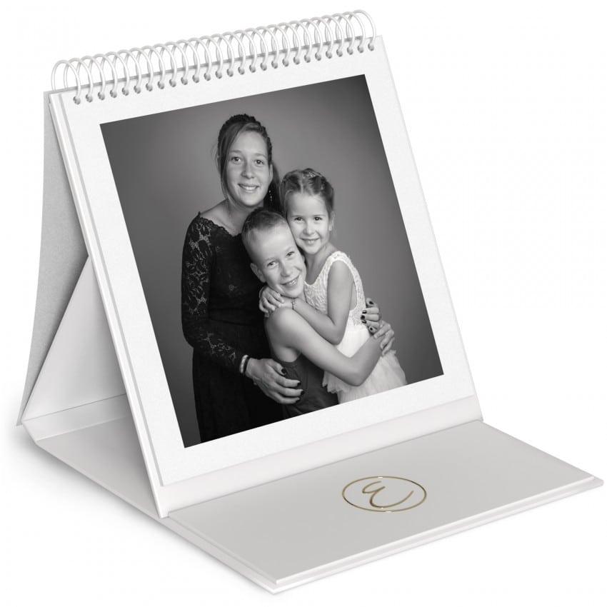 24 feuillets blancs 24x24cm - Impression couverture avec dorure Or
