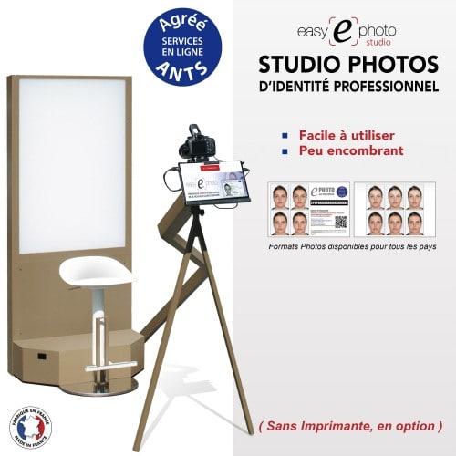 """EASY E PHOTO - Kiosk photo identité EASY EPHOTO STUDIO - Tablette tactile 11,6"""" + Canon 4000D + Contrôle biométrique + Fond flash avec siège & bras levier, sans imprimante"""